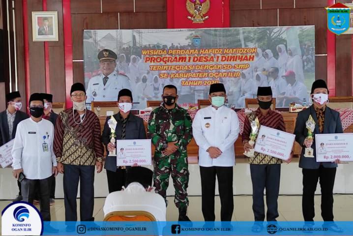 Wisuda Tahfidz Al-Qur'an Perdana Siswa/i SD-SMP Sekaligus Penyerahan Hadiah Lomba Festival Anak Sholeh