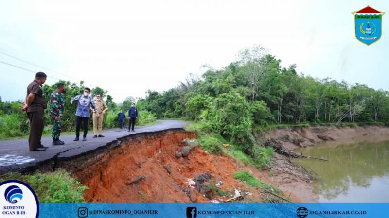 Bupati OI Tinjau penambangan pasir Desa Kuang Anyar Kecamatan Muara Kuang